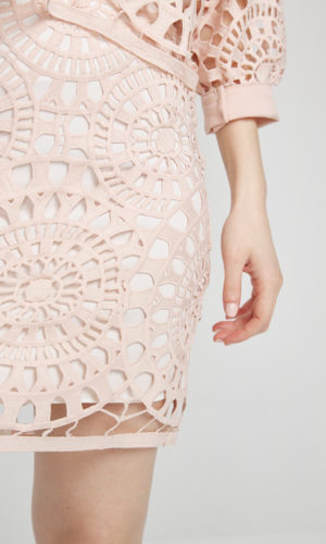 Skirt in handmade lace textile